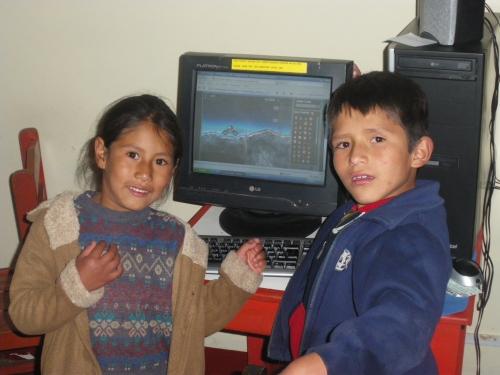 Ana y Vladi, siblings and adorable.
